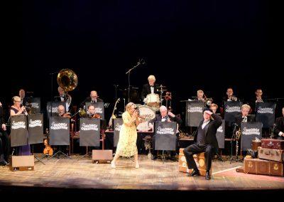"""Karin Bergquist och Harald Leander i Salongsorkesterns """"På återseende"""""""