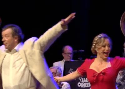 """Harald Leander och Karin Bergquist i Salongsorkesterns """"På återseende"""""""